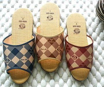 (e鞋院)仿拉菲草室內拖鞋(菱格紋)---<12雙特價588元>