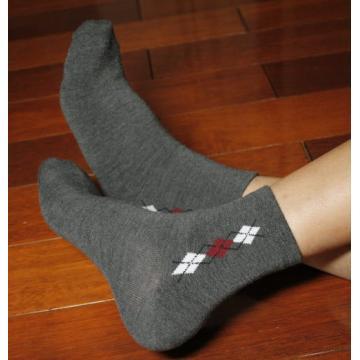 讚炭女菱格襪