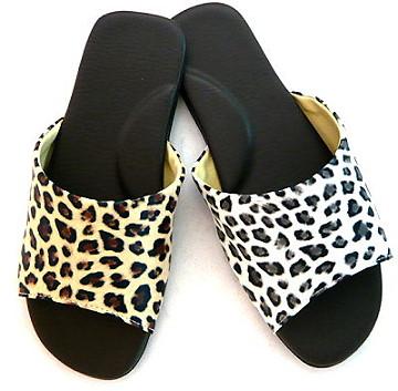 (e鞋院)[豹紋PU]舒適室內拖鞋