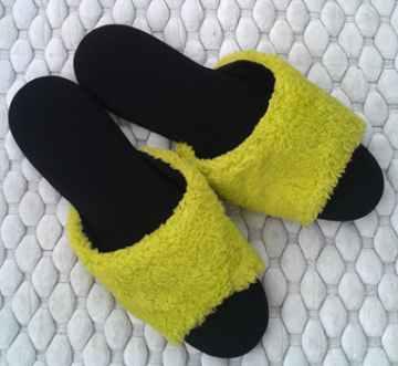 (e鞋院)[馬卡龍絨毛]舒適皮拖鞋-黃
