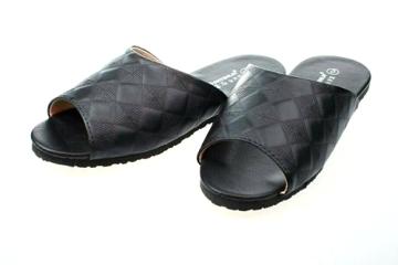(e鞋院)經典菱格可水洗室內皮拖 ~黑~