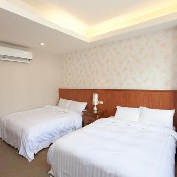【宜蘭】慕夏精品旅館-溫馨四人房一泊一食